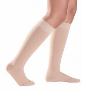 Sigvaris tukisukkien käytön ansiosta laskimoverenkierto paranee, nilkkojen turvotus vähenee ja jalkasi tuntuvat kevyemmiltä.
